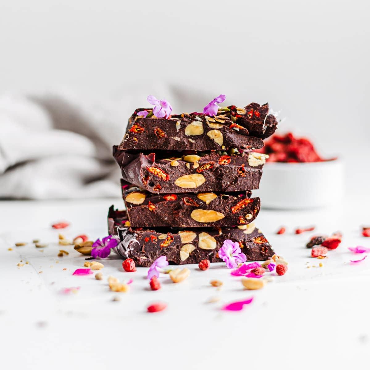 GOJI NUTS CHOCOLATE BARS